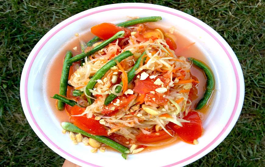 Thai papaya Somtum